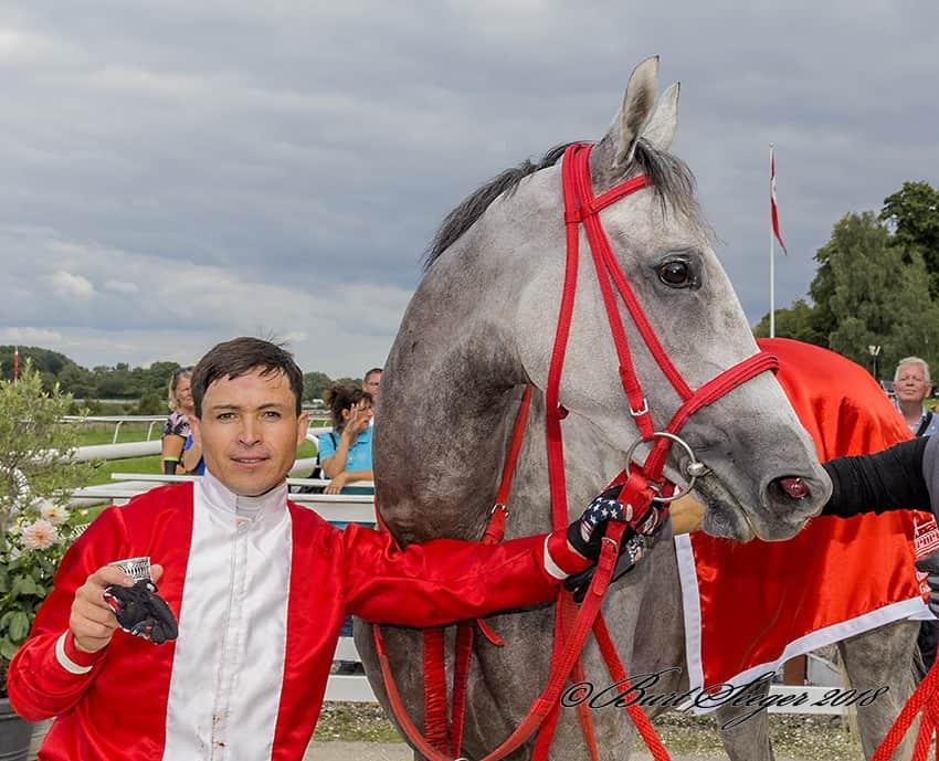 Manuel Martinez med Iron Lady. Foto: Burt Seeger.