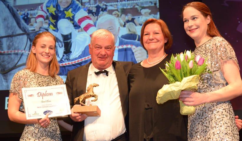 Bent Olsen på podiet ved modtagelsen af prisen som Årets Træner 2018. Foto: Lasse Jespersen.